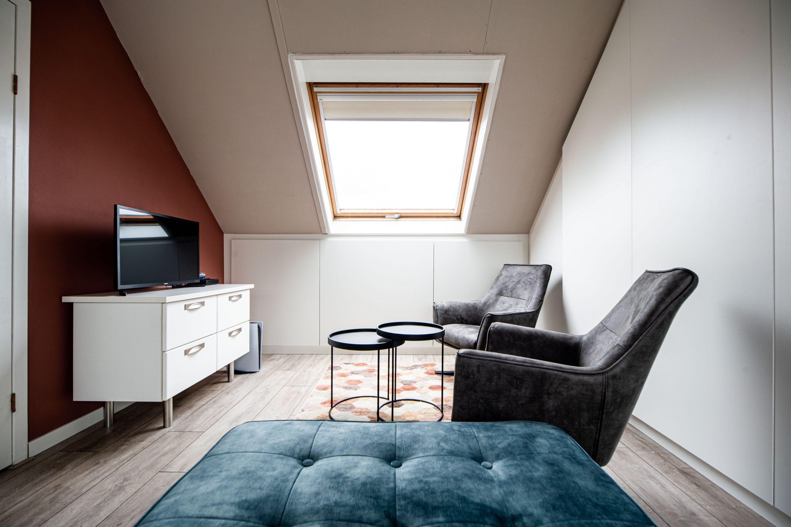 Sens Interieurs - thuiswerkplek op zolder - galerij3