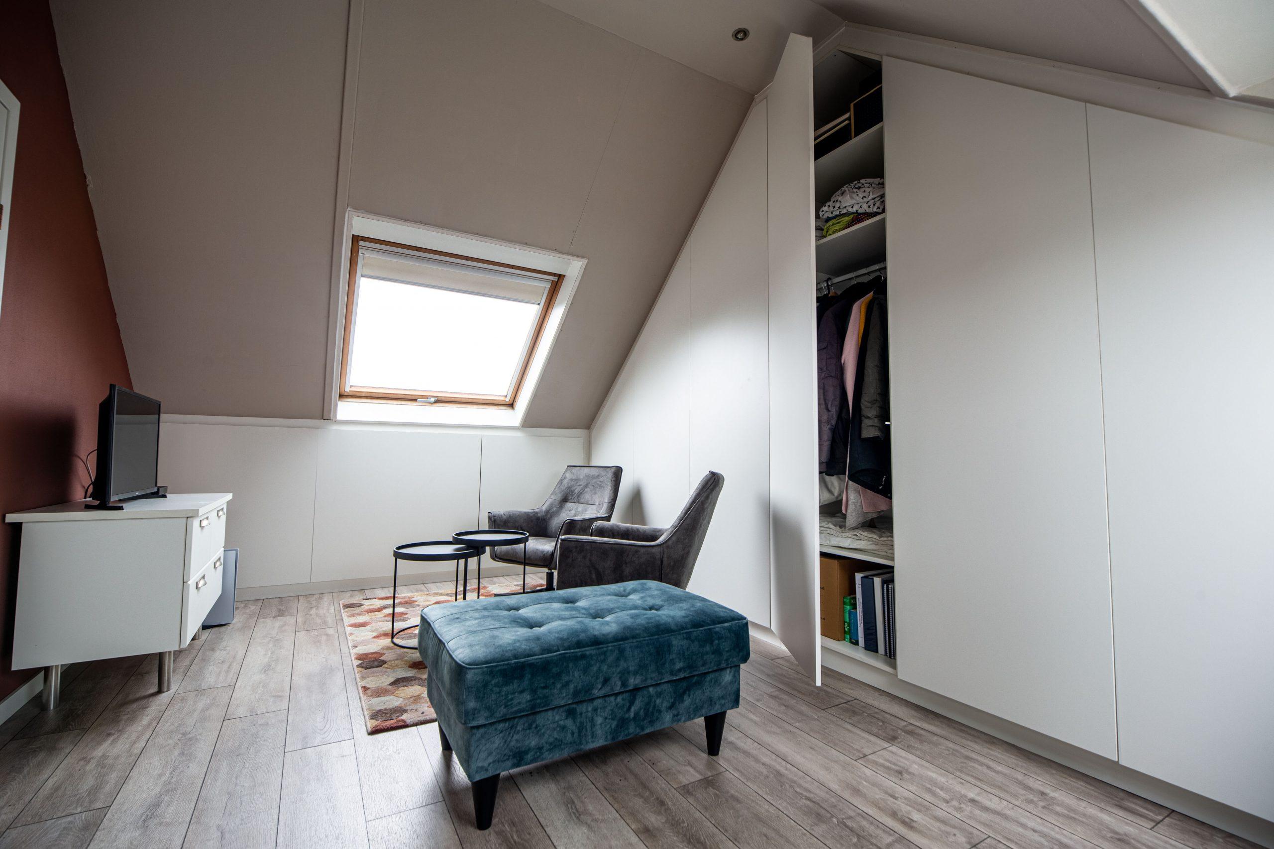 Sens Interieurs - thuiswerkplek op zolder - galerij6